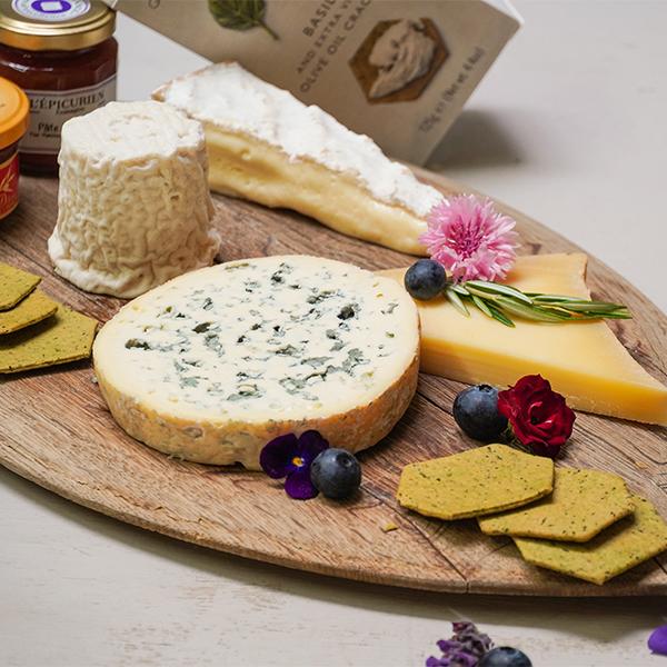 Festive cheese pack